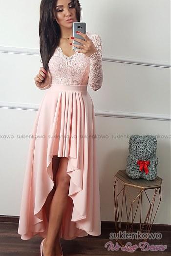 568d8cd840 AURORA - Długa asymetryczna sukienka z koronką i długim rękawem różowa