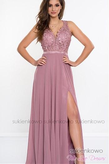 dd0831092a LINDA - Długa sukienka z gipiurą i rozcięciem na nodze różowa ...