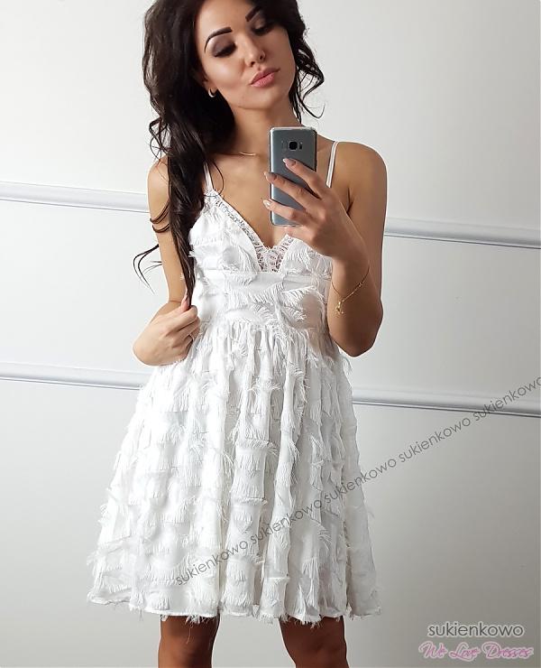 bbbb29f37c NOEMI - Rozkloszowana sukienka biała