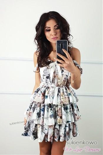 249b27409e SHIRLEY - rozkloszowana sukienka z falbanami w kwiaty ...