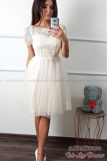 e4e39b3c18 SUZI - Tiulowo koronkowa sukienka w kolano ecru ...